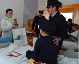 SANTA LUCIA ARRIVA IN OSPEDALE: FAVOLE E PELUCHE A BORGO TRENTO